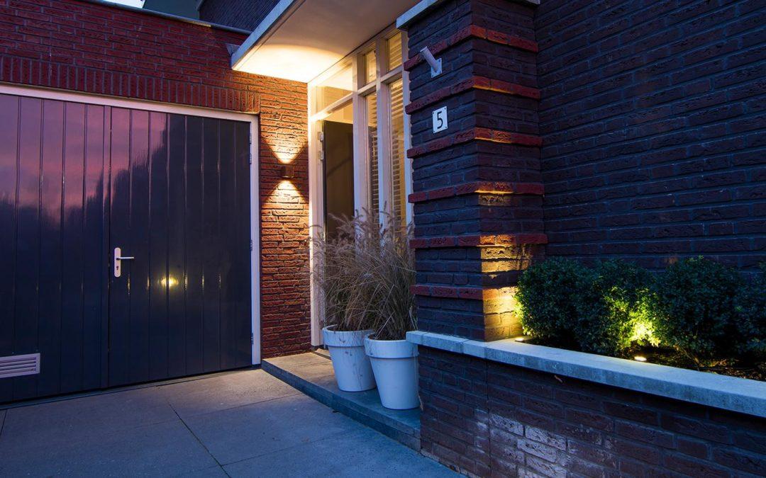 Buitenverlichting met wandverlichting voor buiten - Piek Zweverink Hoveniers